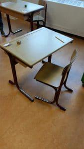 Bureaus, kasten en bureaustoelen af te halen bij Mondial Oostland Verhuizingen