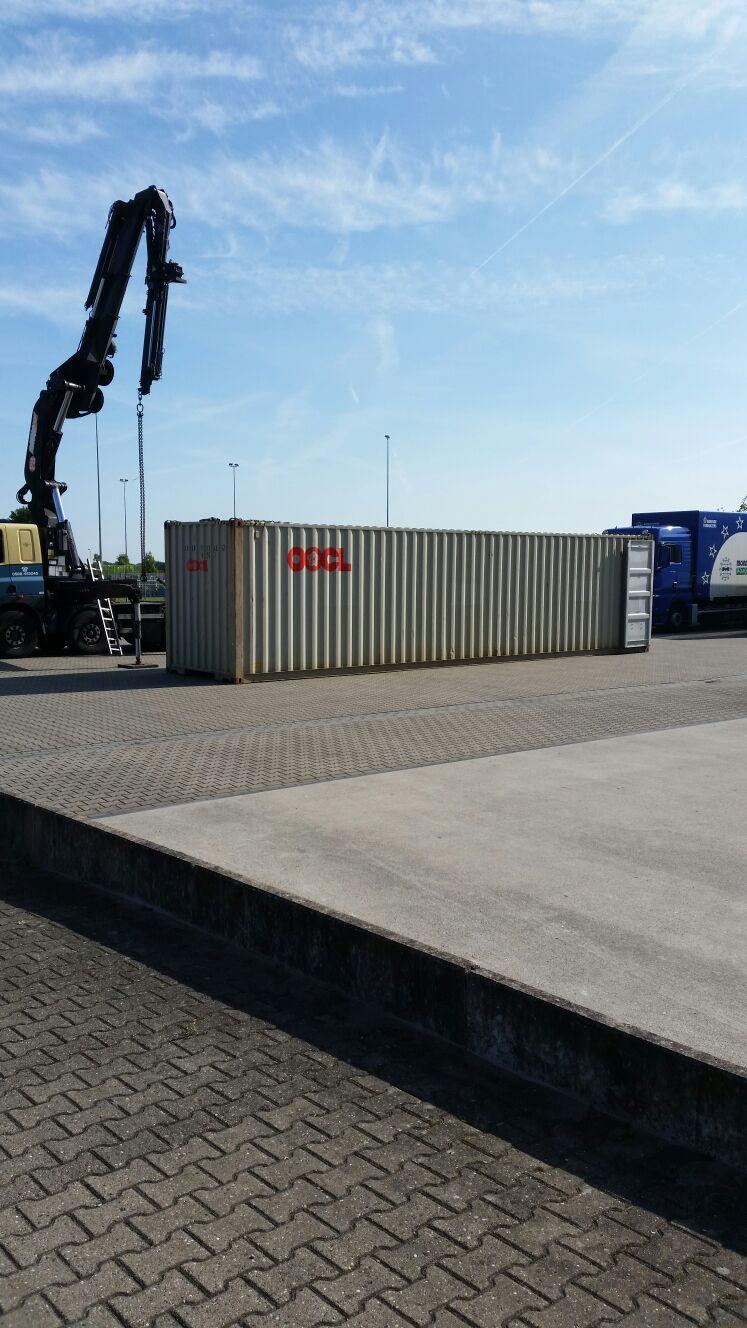 Oostland-Grote-container-verhuizen-geen-probleem
